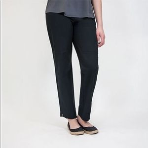 Eileen Fisher Ankle Pant with side zip L